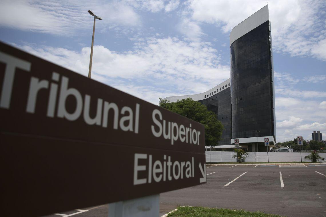 STF envia a Bolsonaro lista com indicações ao TSE