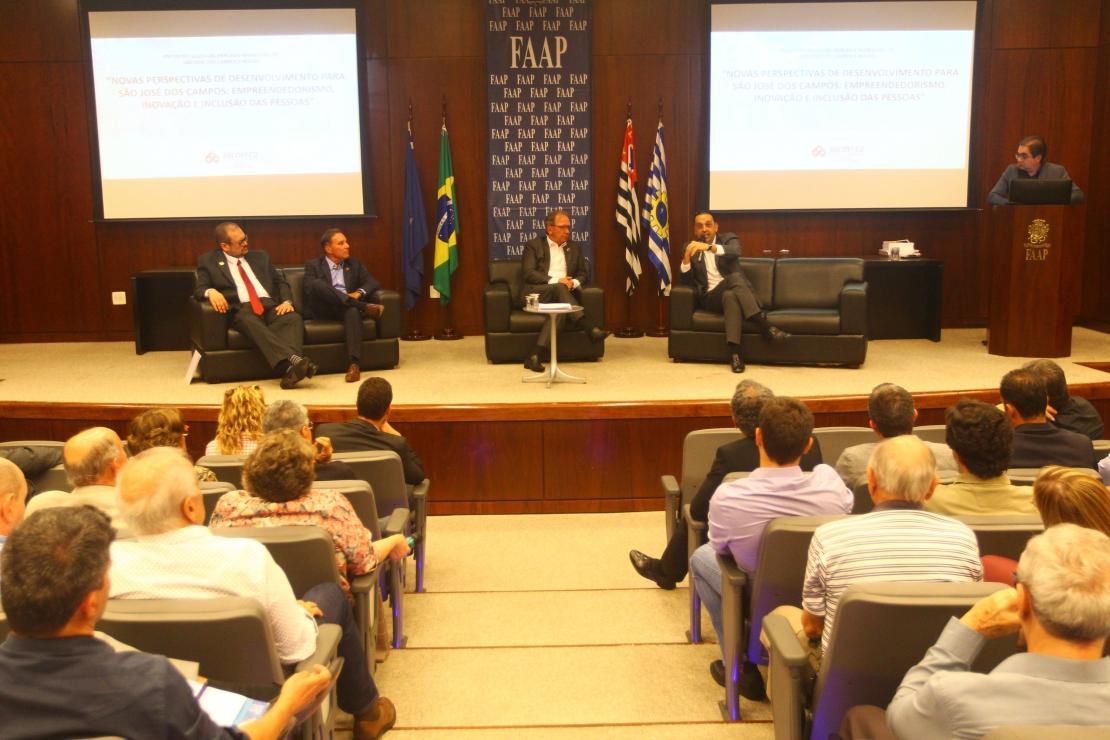 Mercado imobiliário cresce 236% em São José e empresários cobram novo zoneamento