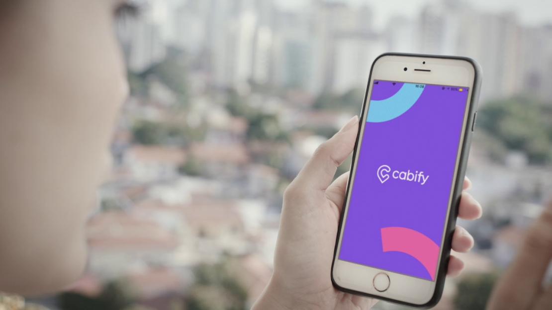 Uber e 99 ganham concorrência da Cabify em São José