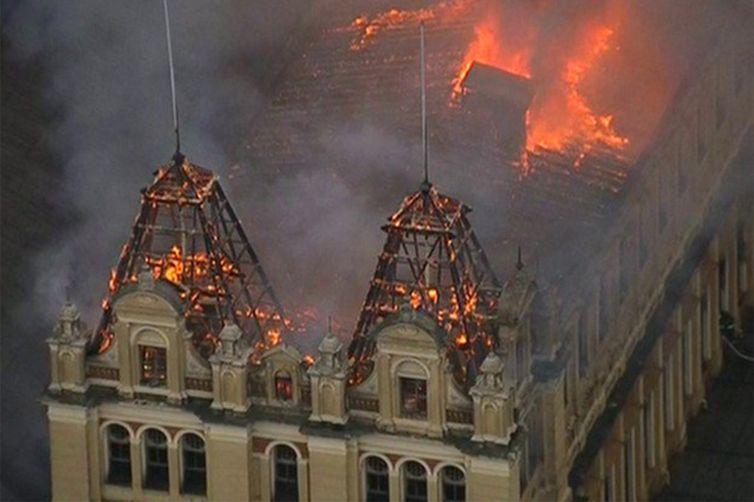 Incêndio Museu da Lingua Portuguesa em São Paulo
