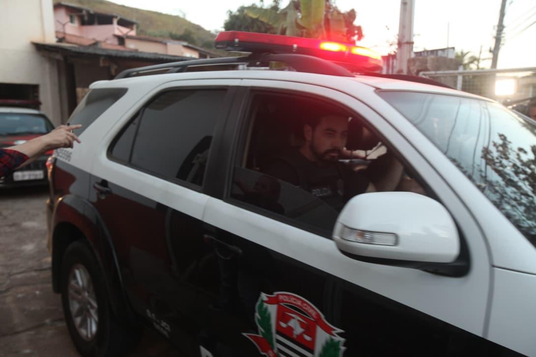 Homem é preso após ameaçar matar filho e agredir companheira em Guará
