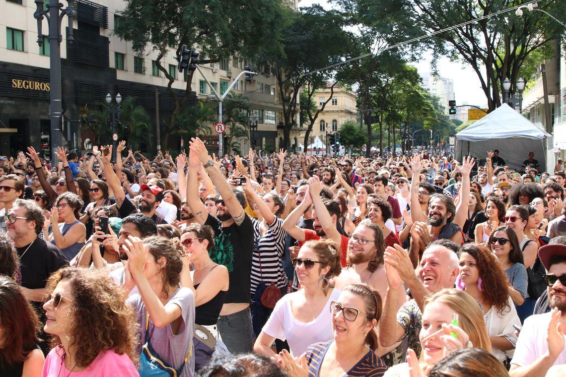 Virada Cultural em São Paulo atrai 5 milhões de pessoas